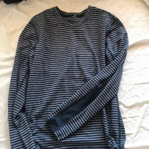 Men's Lululemon top